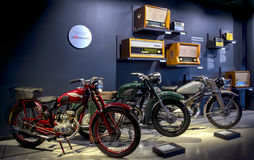 RIGA, LETTLAND - 16. OKTOBER: Retro- Motorräder Riga-Bewegungsmuseum, am 16. Oktober 2016 in Riga, Lettland Stockfoto