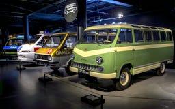 RIGA LETTLAND - OKTOBER 16: Retro museum för bilRiga motor, Oktober 16, 2016 i Riga, Lettland Arkivbilder