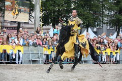 RIGA, LETTONIA - 21 AGOSTO: Dan Naporus dalla st dei cavallerizzi dei diavoli Fotografie Stock