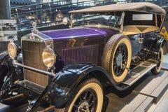 RIGA, LETTONIA 18 febbraio 2019: Selve 1928 12-50 nel museo del motore di Riga immagine stock