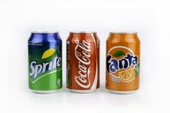 Riga, Lettonia - 13 marzo 2016: Coca Cola, Fanta e Sprite possono è Immagine Stock