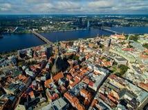 Riga, Lettonia - settembre 2016: Vista panoramica aerea sopra oldtown Fotografia Stock