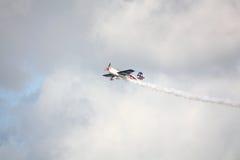 RIGA, LETTONIE - 20 AOÛT : Pilotez des Etats-Unis Jeff Boerboon sur des frais supplémentaires Photo libre de droits