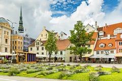 RIGA, LETTONIE - 10 JUILLET 2016 : La place de Livu est le centre de vieux Riga Image libre de droits