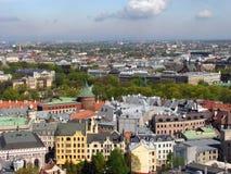 Riga-nordöstliches Panorama lizenzfreie stockfotografie
