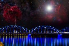 Riga på natten. royaltyfria bilder