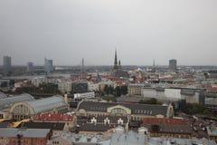 Riga, panorama Día lluvioso latvia Imagen de archivo