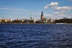 Riga-Panorama von der Flussseite Stockfoto