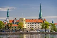 Riga-Schloss in Lettland lizenzfreie stockbilder
