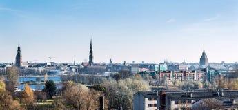 Riga stadshorisont latvia Arkivfoton