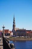 Riga stadssikt från bron Arkivbild