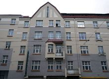 Riga, Straße Aleksandra Cakas 55, historische Gebäude Lizenzfreie Stockbilder