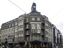 Riga, Terbatas 14, maison faisante le coin avec une tourelle, moderne photographie stock libre de droits