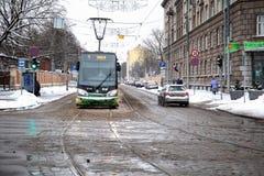 Rigas Satiksme Inglês: O tráfego de Riga, é serviço Riga de uma autoridade municipalmente-possuída do transporte público e do est fotos de stock royalty free