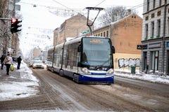 Rigas Satiksme Inglês: O tráfego de Riga, é serviço Riga de uma autoridade municipalmente-possuída do transporte público e do est imagens de stock royalty free