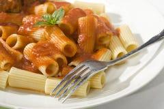 Rigatoni et boulettes de viande Image stock