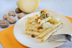 Rigatoni and nuts cream Royalty Free Stock Images