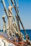 Rigging av en lyxig yacht Royaltyfri Bild