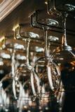 Righe dei vetri di vino vuoti Fotografia Stock Libera da Diritti