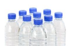 Righe delle bottiglie di acqua Immagine Stock
