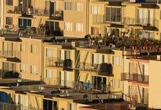 Righe delle case sulla collina Fotografie Stock Libere da Diritti