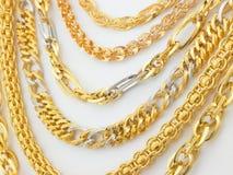 Righe delle catene dell'oro Immagini Stock Libere da Diritti