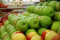 Righe delle mele fotografia stock