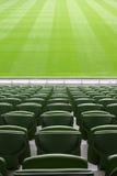Righe delle sedi di plastica in stadio vuoto Fotografia Stock Libera da Diritti