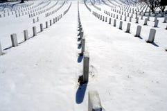 Righe delle tombe a Arlington fotografie stock