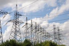 Righe di energia elettrica Immagini Stock Libere da Diritti
