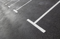 Righe di parcheggio fotografia stock libera da diritti