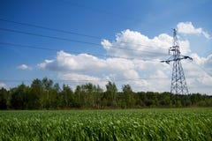 Righe di trasmissione di energia Immagine Stock