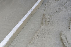 Rigone om het beton glad te maken Royalty-vrije Stock Fotografie