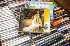 Rihanna-CD album een Meisje als me 2006 op vertoning voor verkoop, beroemde zanger Van Barbados, onderneemster en actrice royalty-vrije stock afbeeldingen