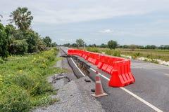 Rij die van rode plastic barrière ongevallen verhinderen Royalty-vrije Stock Foto