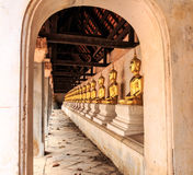 Rij gezette buddhra Stock Afbeelding