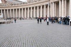 Rij in St Peter Basilica Royalty-vrije Stock Afbeeldingen