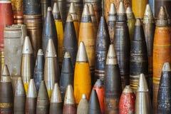 Rij van antieke wereldoorlog twee bommen royalty-vrije stock foto