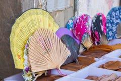Rij van Chinese ventilators en herinneringen Stock Afbeeldingen