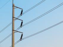 Rij van de elektriciteitspost van de draadpool Royalty-vrije Stock Fotografie