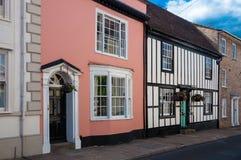 Rij van de traditionele Engelse plattelandshuisjes van het land Royalty-vrije Stock Foto's