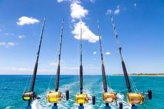 Rij van Diepzeehengels op Boot stock afbeeldingen