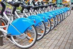 Rij van fietsen/fietsen Royalty-vrije Stock Foto's