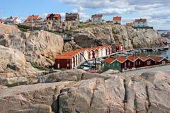 Rij van gekleurde huizen, Smogen, Zweden Royalty-vrije Stock Foto's