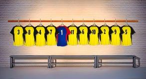 Rij van Gele en Blauwe Overhemden 3-5 van Voetbaloverhemden Royalty-vrije Stock Afbeelding