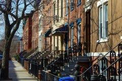 Rij van huizen in Hoboken, New Jersey stock foto