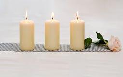 Rij van kaarsen. Stock Fotografie