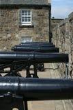 Rij van kanonnen bij Kasteel Stirling stock afbeelding
