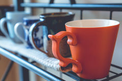 Rij van koffiekoppen Royalty-vrije Stock Afbeeldingen