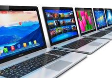 Rij van Laptops Royalty-vrije Stock Afbeeldingen